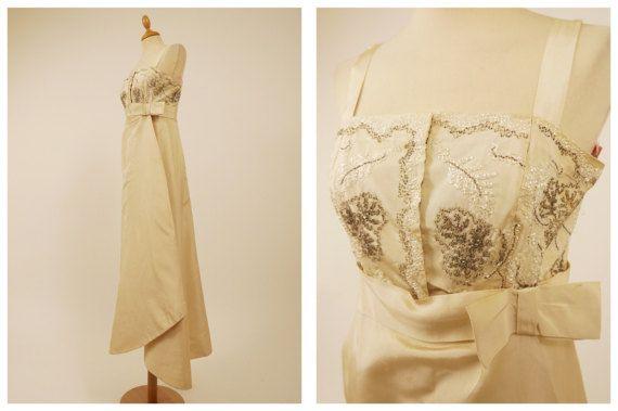 Vintage des années 1960 incroyable crème brodé de soirée robe longue - taille S