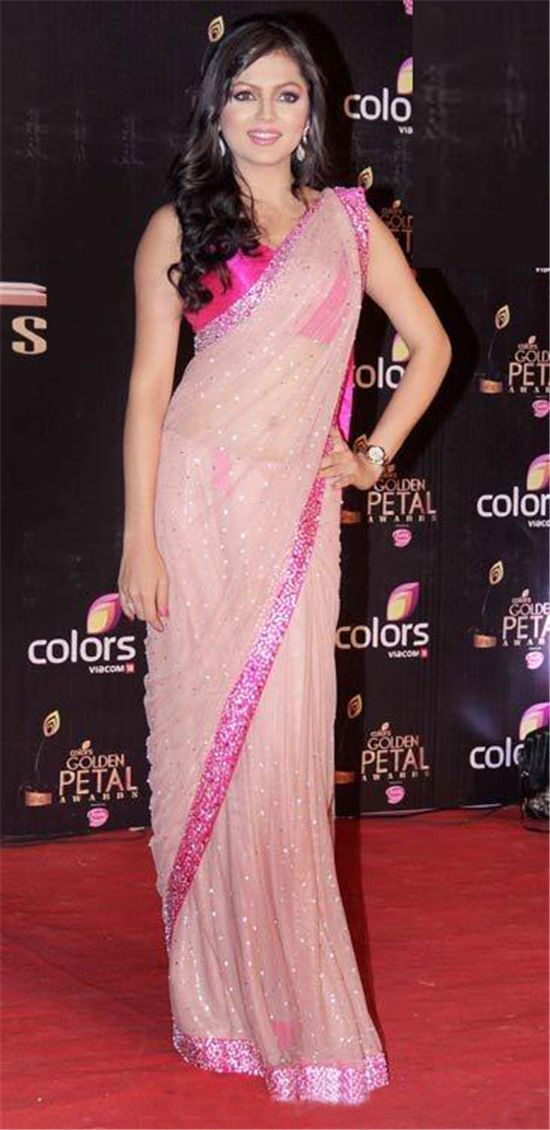 Drashti Dhami Hot  Light Pink #Saree. #BollywoodSarees