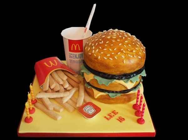McDonald's Big Mac Cake | 27 Fast Food Themed Cakes That Are Like Works Of Art