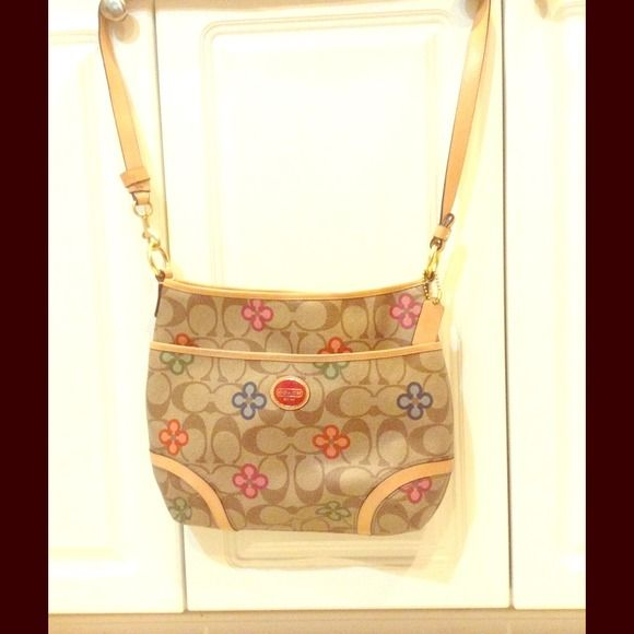 Coach Peyton Signature Clover Hobo Authentic, purchased by me at Coach store, used rarely, looks brand new inside and out Coach Bags Hobos