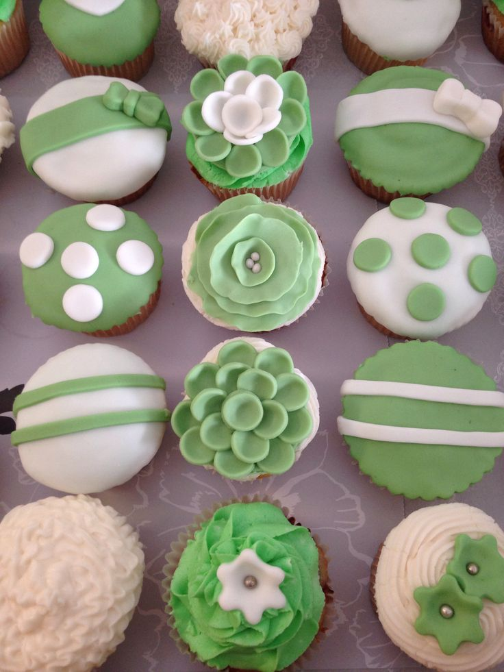 Mint and White wedding cupcakes