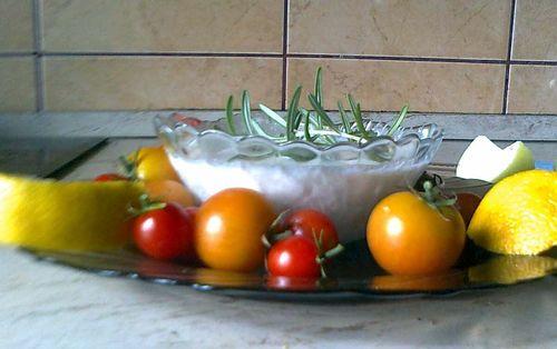 növényi tejföl - Hozzávalók:      4 evőkanál rizs vagy zabpehely     kb. 1 dl tisztított víz     1 kicsi  citrom leve     1 csipet himalája só