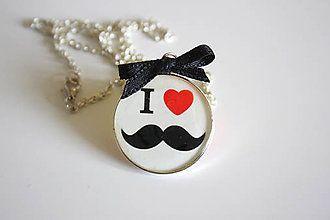 náhrdelníky moustache - Hledat Googlem