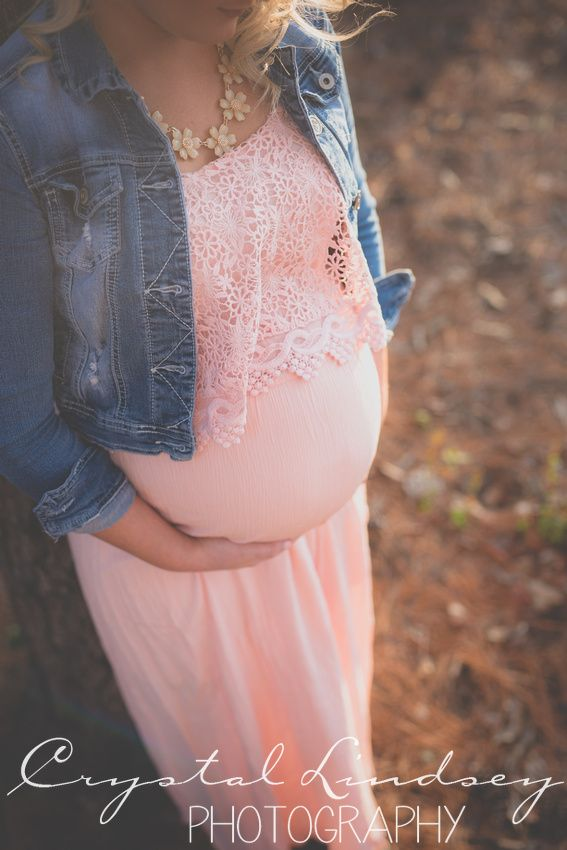 Sweet & simple maternity photography by Crystal Lindsey Photography