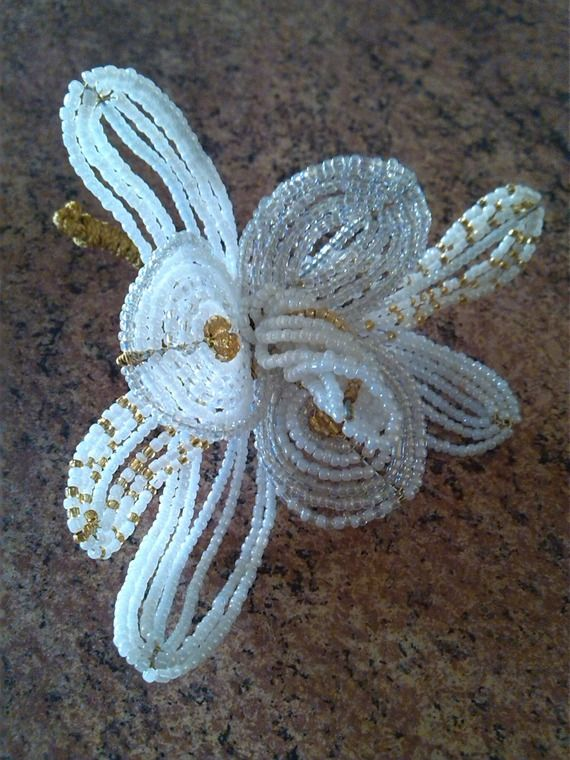3 Beaded Flowers on Plate, Beaded Gift, Beaded Flowers, White New Year Handmade Flowers, VINTAGE Wedding Flowers