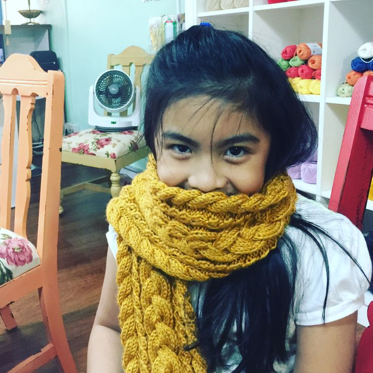 Cute lil Felicia.. She's only 8 years old and she knits