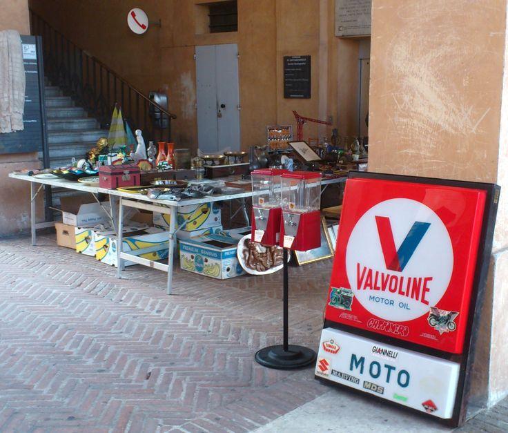 Santarcangelo di Romagna mercatino dell'antiquariato e dell'usato http://bettinaincucina.blogspot.it/2015/05/santarcangelo-di-romagna-buona-domenica.html