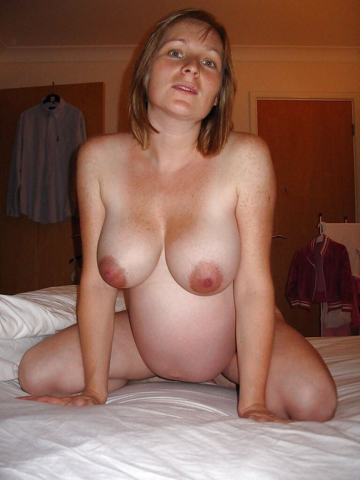 nude pregnant breast feeding
