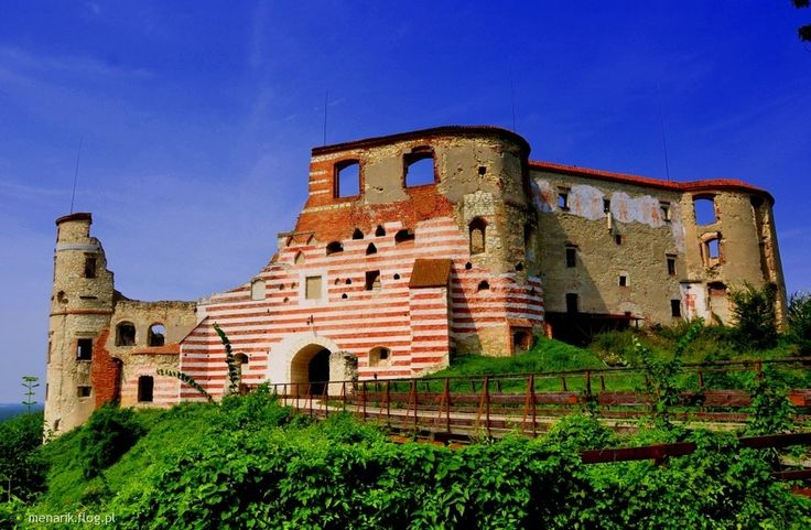 Fotoblog menarik.flog.pl. - Zamek  w  Janowcu .   Na wysokiej skarpie lewego…