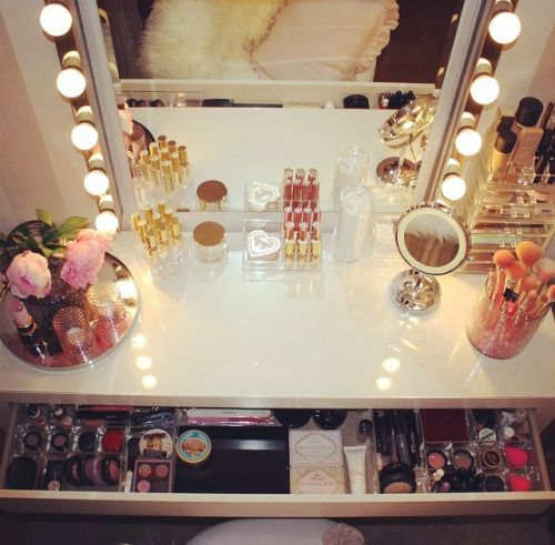 Desk I Love 80s : Ideas about make up stations on pinterest makeup