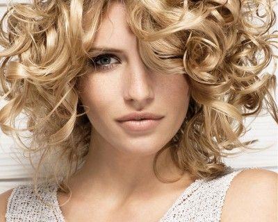 Stunning long women hairstyles - Blonde Gold Curls