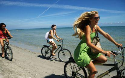 Perché fa bene andare in bicicletta - Perché fa bene andare in bicicletta? Sono…