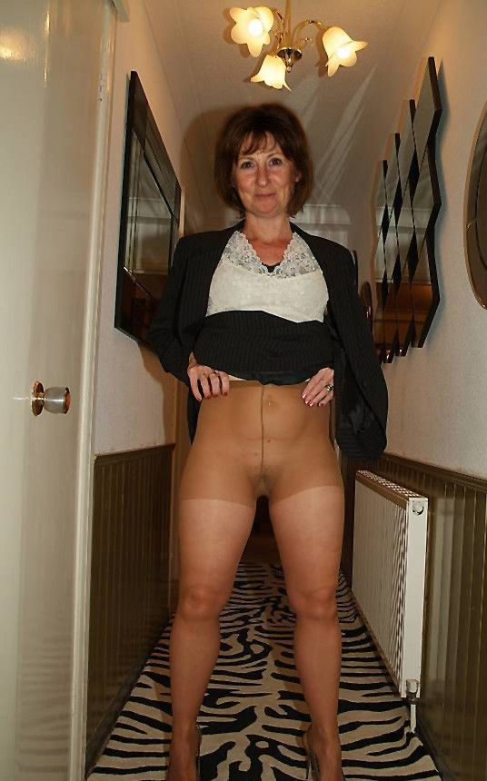 Teen Old mature in pantyhose beautiful Another