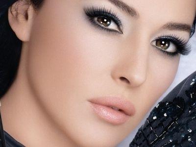 Trucos para Maquillarse los Ojos Grandes - Para Más Información Ingresa en: http://comopintarselosojos.com/trucos-para-maquillarse-los-ojos-grandes/