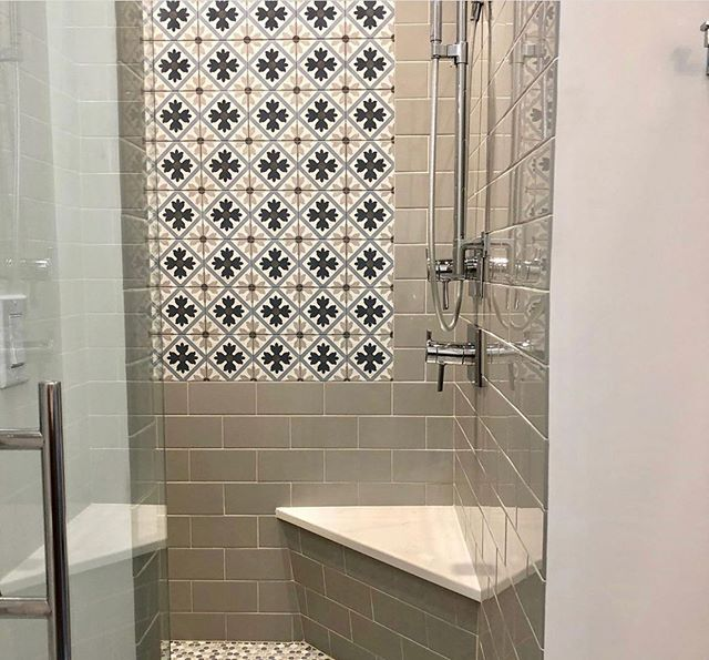 Love This Install Using Our Mallorca Tulip For The Accent Shower Wall Turn An Ordinary Shower Into Something Unique With Bathroom Design Edgemoor Surface Art