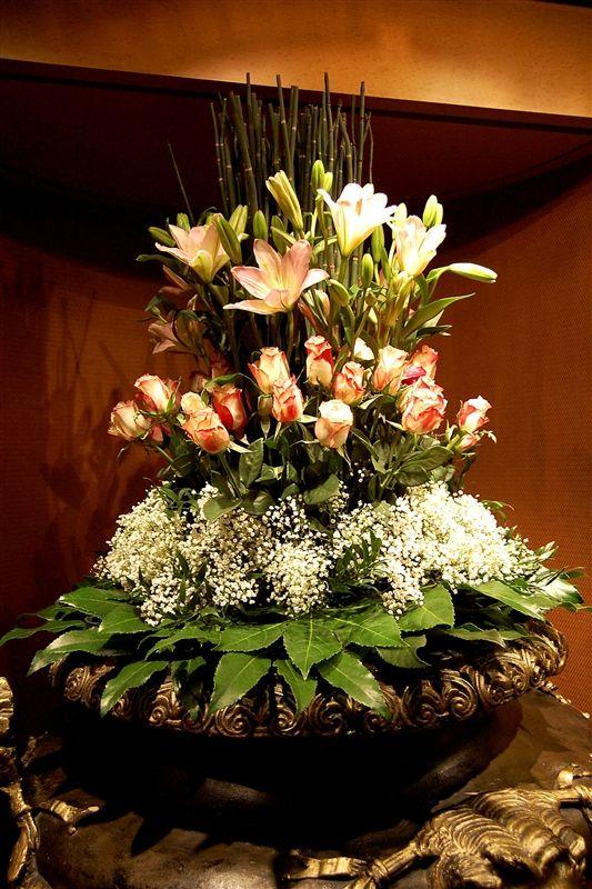 die besten 25 lilienbouquet ideen auf pinterest wei e lilien bouquet calla lilien. Black Bedroom Furniture Sets. Home Design Ideas