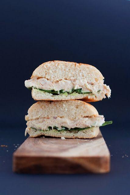 Caesar Sandwich/ Bocadillo de pollo con salsa césar