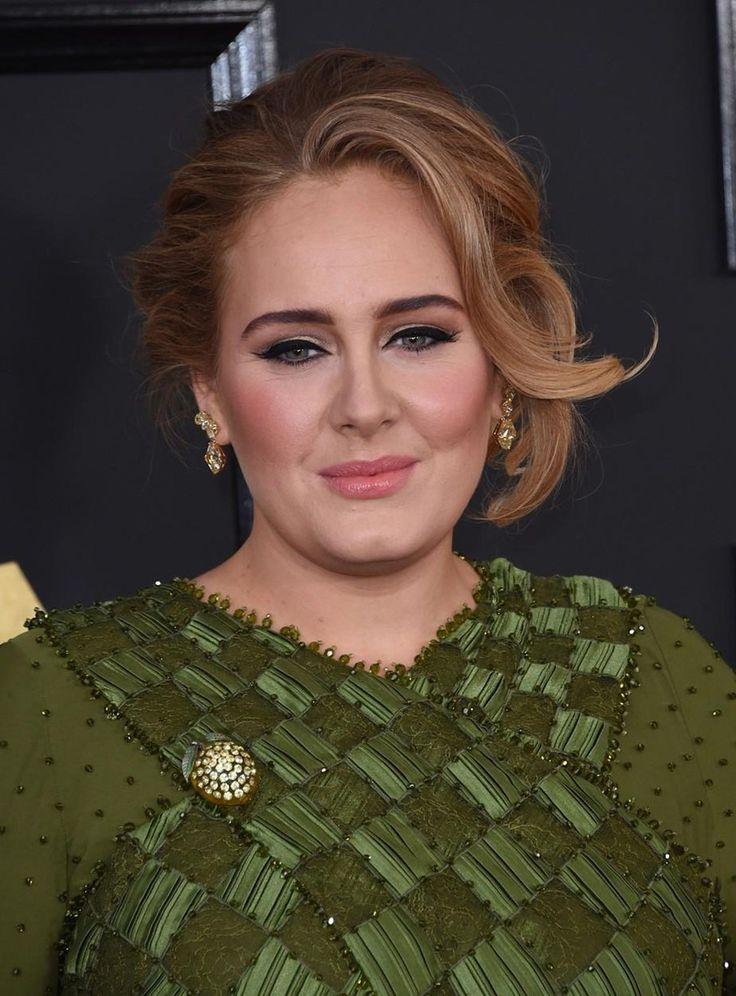 Účesy celebrit na udílení cen Grammy 2017 - Adele