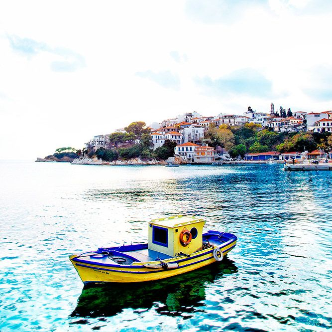 Beautiful Skiathos - Clear skies and azure waters, greenery and friendly hospitality! kassandrabay.com