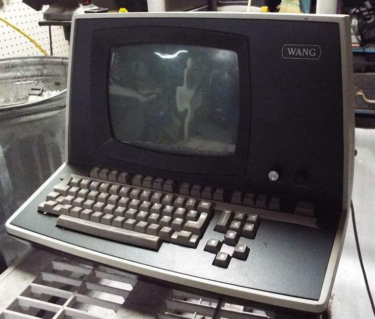 Vintage WANG computer terminal with keyboard 2200 CS and ...