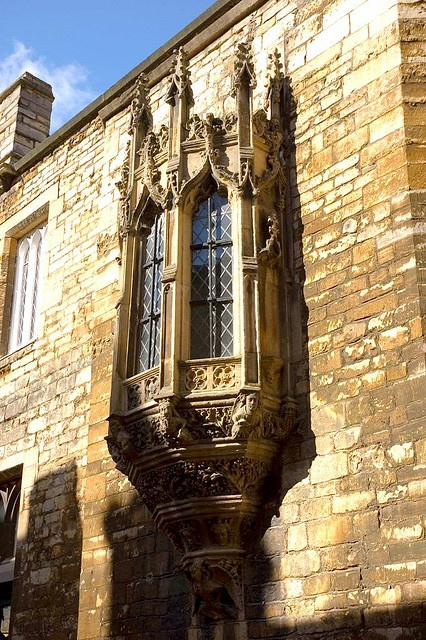 Part I England Oriel Windows Were A Very Popular Feature During The English Renaissance