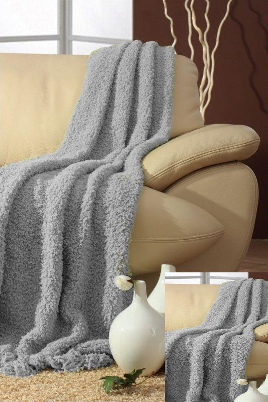 Szara narzuta na sofę i fotele