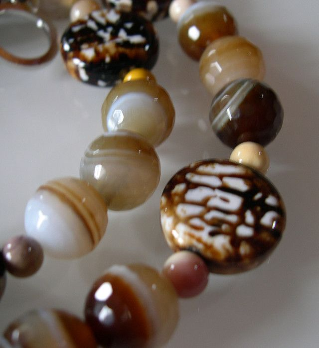 BEAUTIFUL COFFEE AGATE NECKLACE 65CMS...  NATURAL COFFEE COLOR AGATE  NECKLACE FROM GEMROCKAUCTIONS.COM