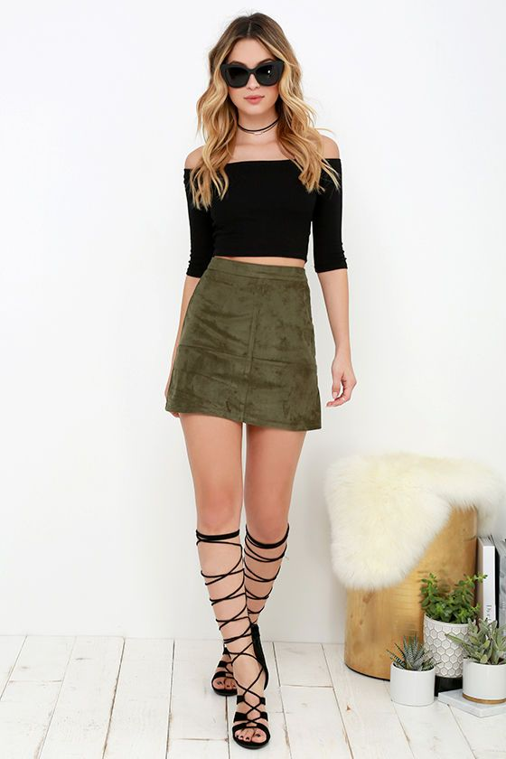 With tantalizing texture and a cute-as-can-be silhouette, the Shenandoah Olive Green Suede Mini Skirt is quite the steal! Soft microfiber suede begins at a high banded waist before gently flaring into an A-line mini skirt. Hidden back zipper.