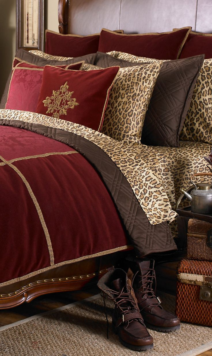 Brown and red bedding - Lauren More