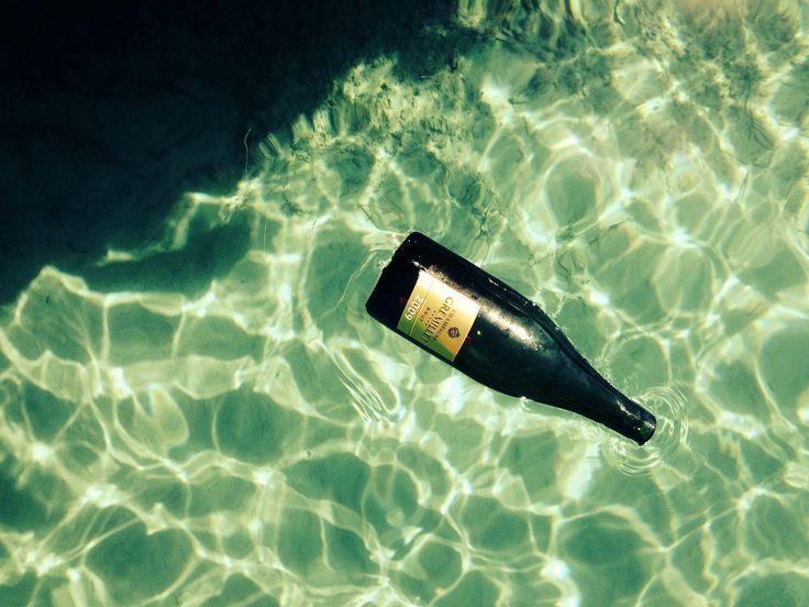 """Résultat de recherche d'images pour """"bouteille de champagne à mer"""""""