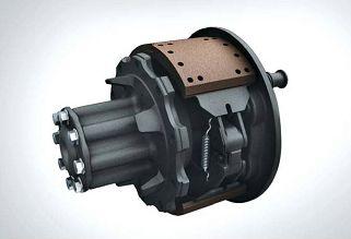 Camiones FUSO | Camión FJ | El sistema de freno de tipo neumático cuenta con revestimientos más anchos y gruesos que mejoran el frenado y prolongan los intervalos de mantenimiento.