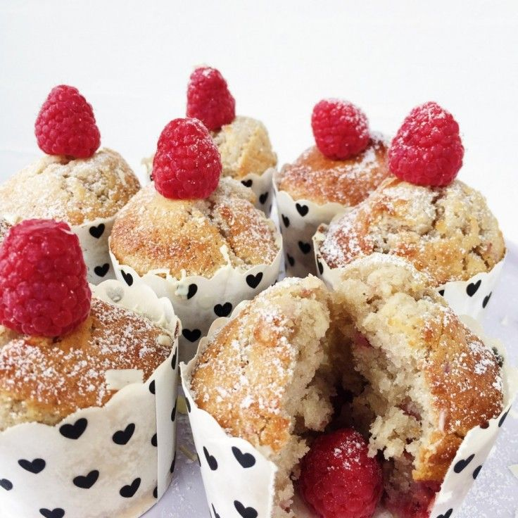 Hindbærmuffins med hvidchokolade - Maria Vestergaard