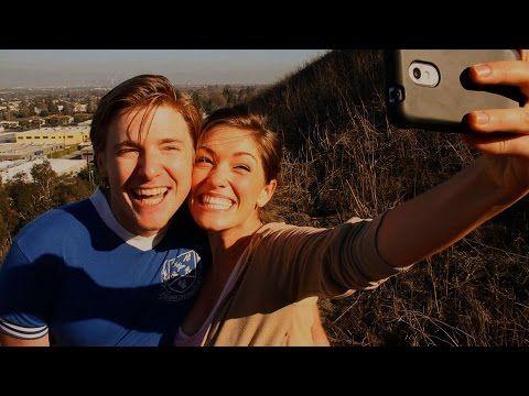 Coppie felici su Facebook: ecco la verità dietro ai selfie - Repubblica Tv - la Repubblica.it
