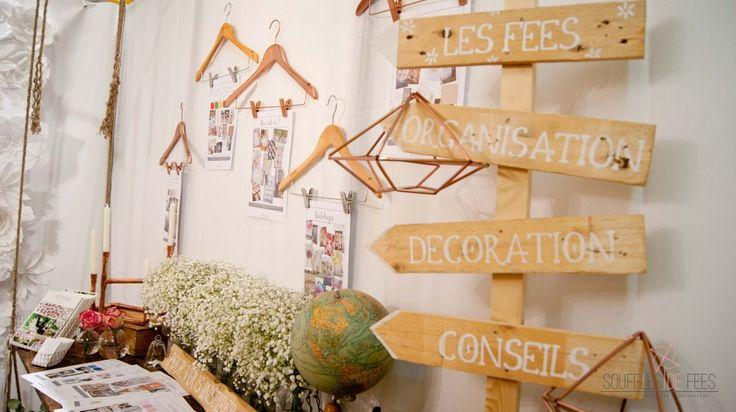 Caisses en bois panneaux en bois cuivre stand salon du for Porte de versailles salon mariage