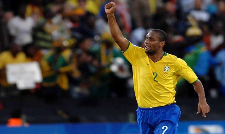 Após 12 anos jogando na Europa, o lateral brasileiro Maicon está de olho em um retorno ao Brasil. Ele foi revelado nas categorias de base do Cruzeiro.