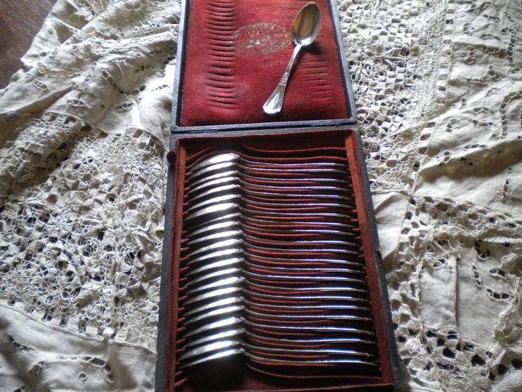 CHRISTOFLE & Cie 23 TB cuillères café argent massif poinçon minerve 660 g écrin | Art, antiquités, Objets du XIXe et avant | eBay!
