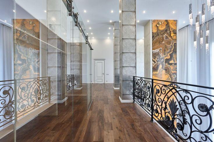 Фото Дом в эклектическом стиле. Холл, лестница, коридоры ...