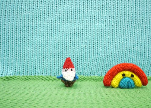 Anna Hrachovec of Mochimochi Land creates animated GIFs from her amigurumi…