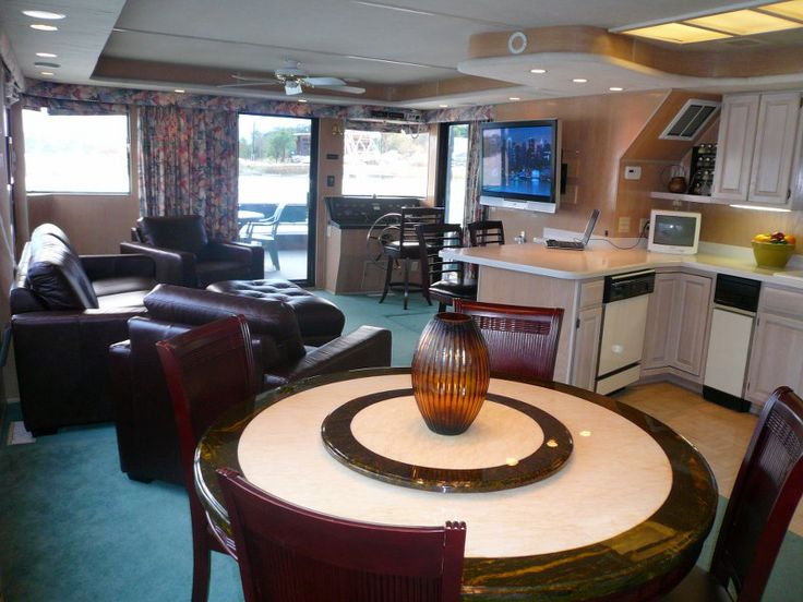 Bravada Yachts GT2275 State Room