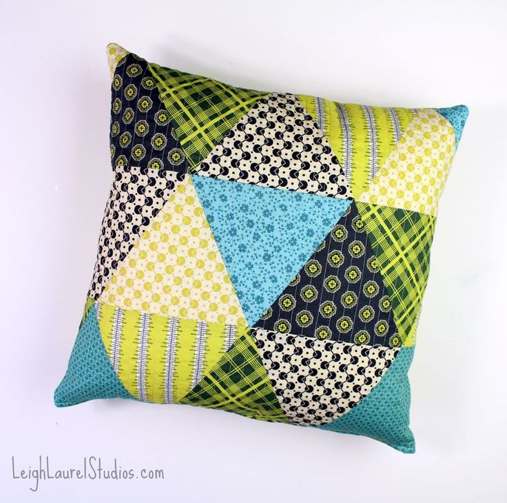 Triangle pillows and a zipper tutorial