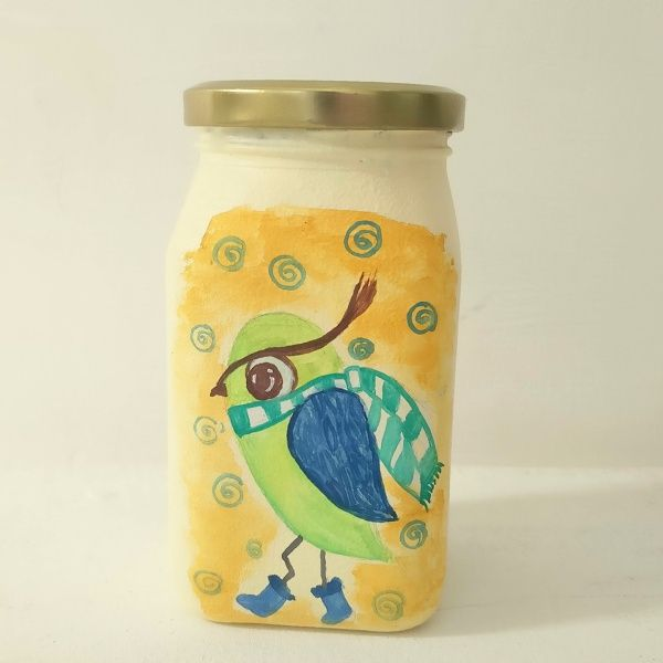 Add quirky kitschy look to your interiors with these beautiful and vibrant hand painted Jar.