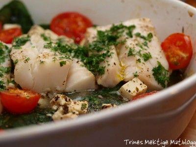 Ovnsbakt torsk med spinat, fetaost og cherrytomater - Kutt ut løk, for lav fodmap.