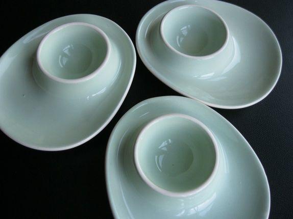 Tre nydelige 1950-talls eggeglass eller eggebeger. Lys mintgrønn farge. Figgjo Flint, designet av Ragnar Grimsrud på 50-tallet. Disse hører til ...