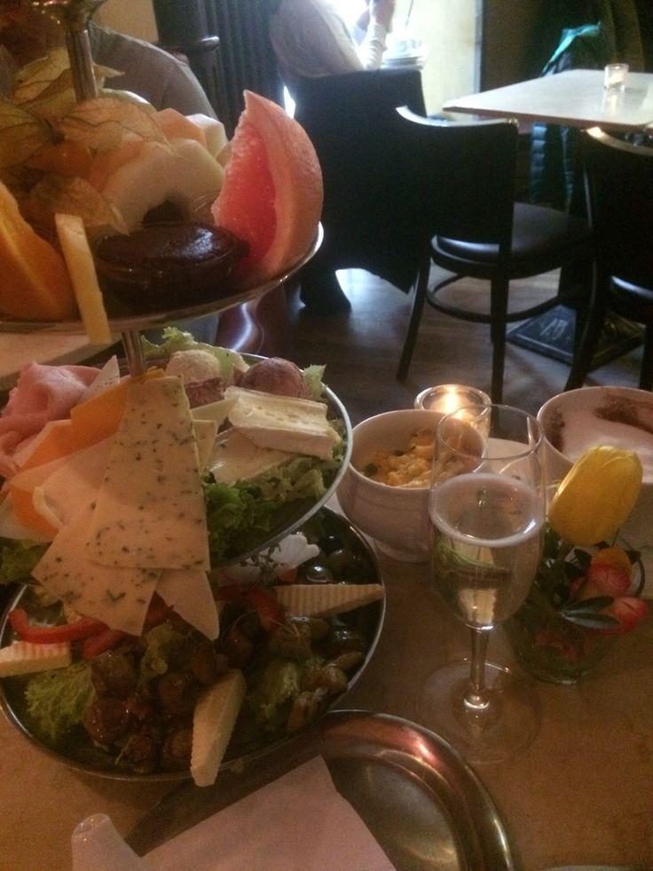 Berlinpåske med frokost på Anne Blumecafeen idag