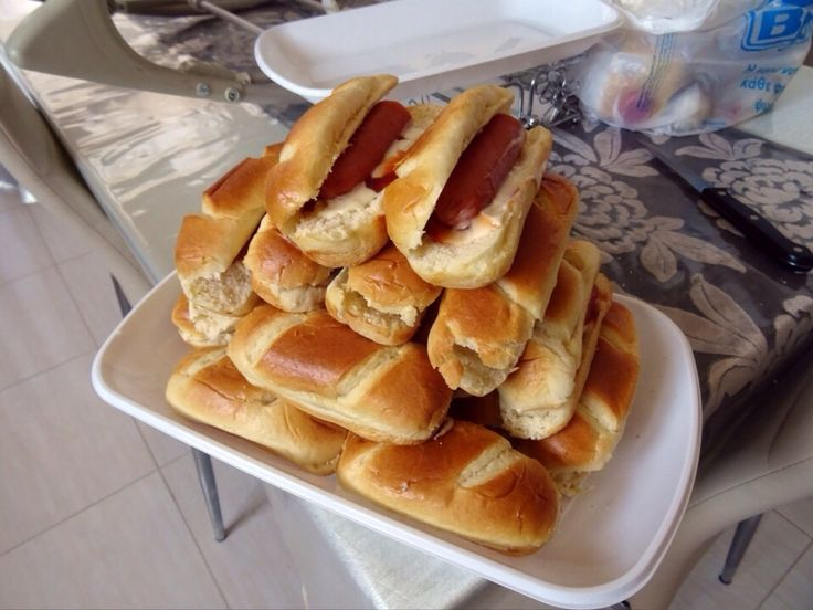 Hot Dog (flower birthday party ideas)