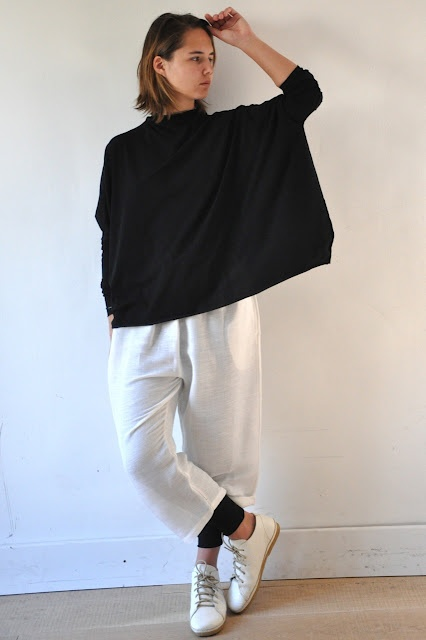 VDC - I never thought of wearing leggings under wide cropped pants but it  looks unbelievably