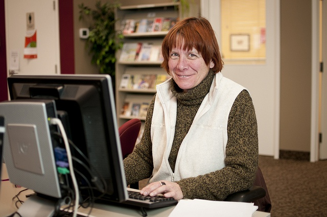 The YMCA of Simcoe/Muskoka employment service office has resources you can use to search internet job listings