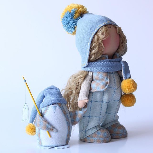 Кто куда..., а мы на Мадагаскар ..... холодно тут у вас))))) В наличии. #milahandycrafts #handmadepresent #handmadedoll #interior #interiordoll #pinguin #tilda #cotton #wool #textiledoll #present #birthday #christmas #кукла #кукларучнойработы #куклаизткани #текстильнаякукла #тильда #пингвины #мадагаскар #подарок #деньрождения #зимняяколлекция #творческаямастерская #ярмаркамастеров #valentexomsk #fabbyhandmade