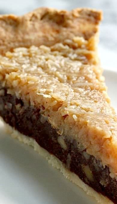 Crunchy pecans that will crackle after the first bite and creamy chocolate filling and coconut cream that will melt into your mouth. This homemade chocolate COCONUT pecan pie recipe is worth knowing!