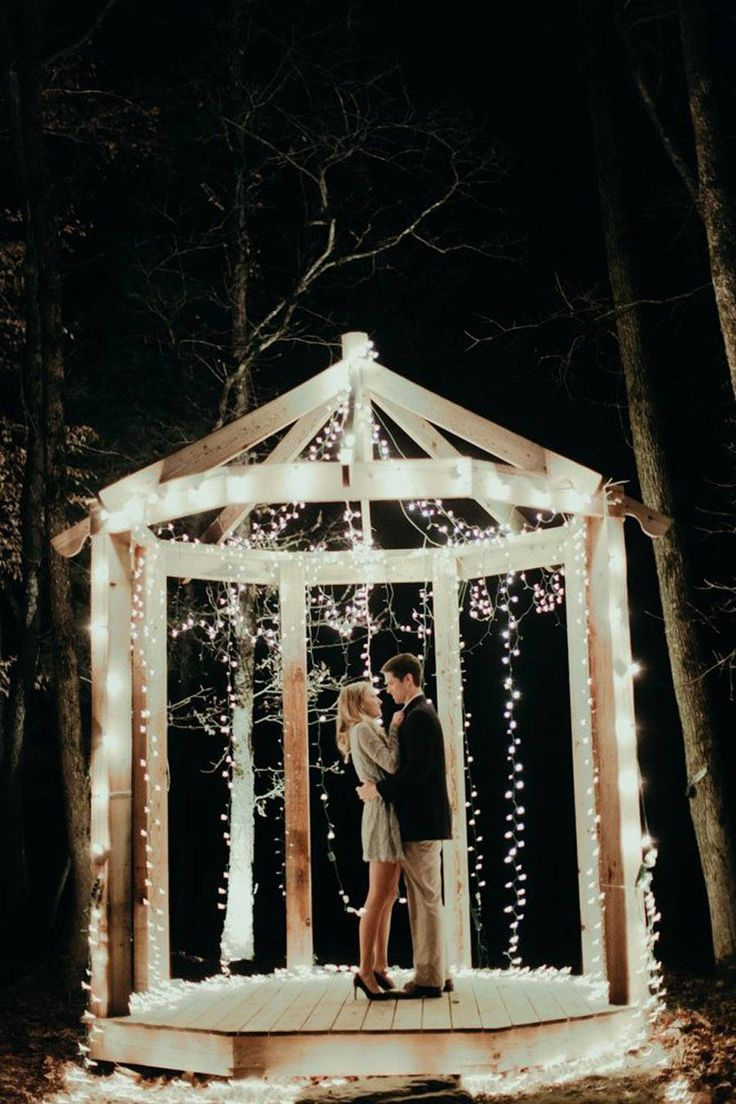 is Hands-Down The Cutest Proposal We've Ever Seen. omg this proposal is unreal. you have to read the whole thing.omg this proposal is unreal. you have to read the whole thing. Cute Proposal Ideas, Romantic Proposal, Perfect Proposal, Proposal Photos, Surprise Proposal Pictures, Romantic Weddings, Wedding Events, Wedding Ceremony, Wedding Poses